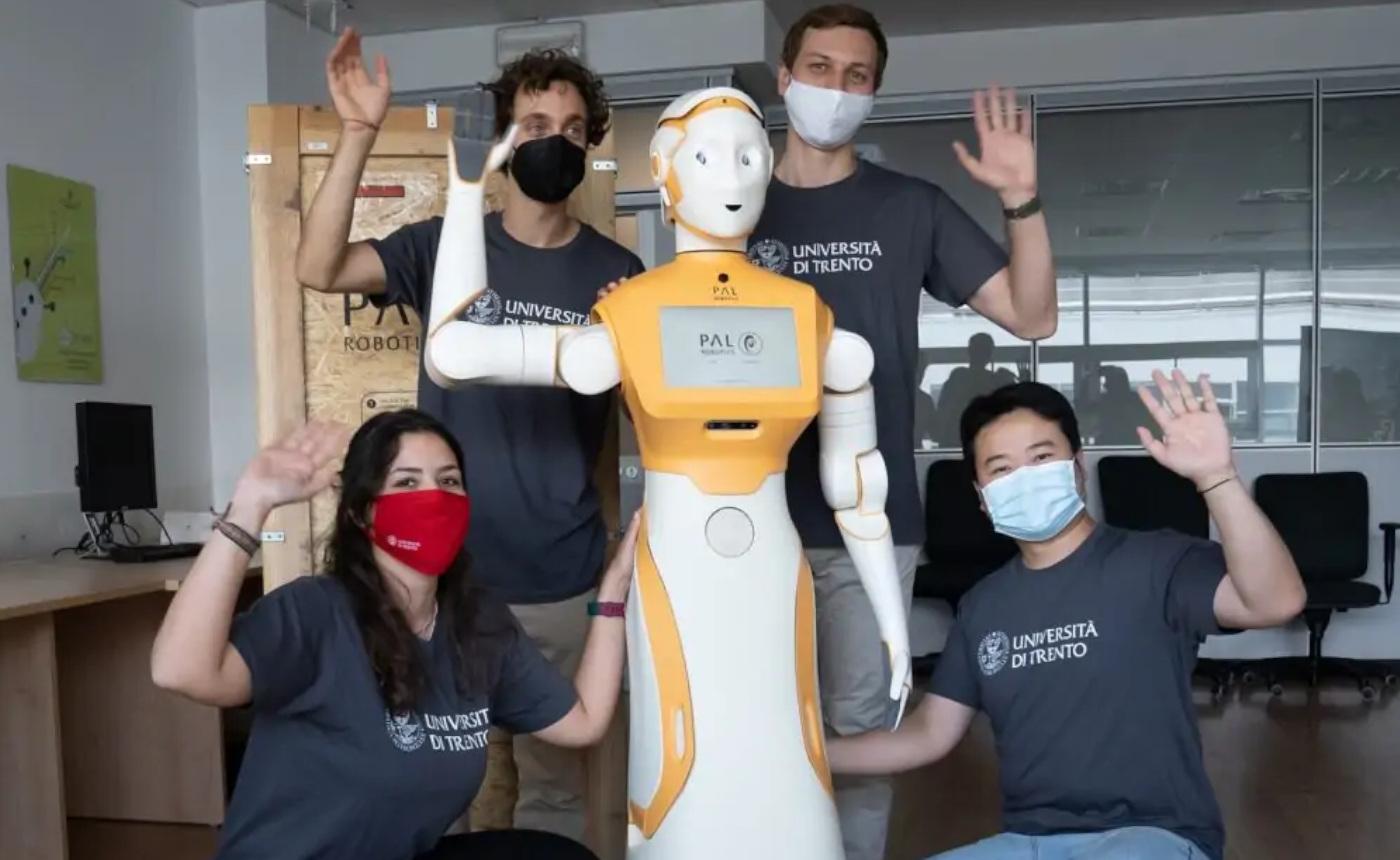 ARI: IL ROBOT UMANOIDE CHE SI PRENDERÀ CURA DI NOI